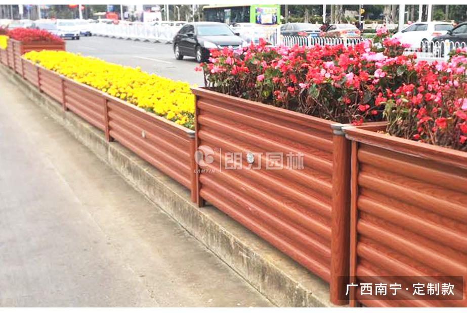 广西南宁道路绿化铝合金花箱